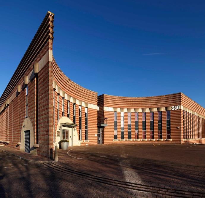 درباره ی سبک معماری پست مدرن چه میدانید؟